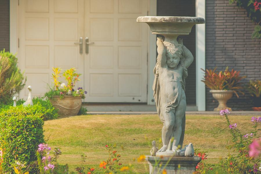 Záhradné sochy a figúrky