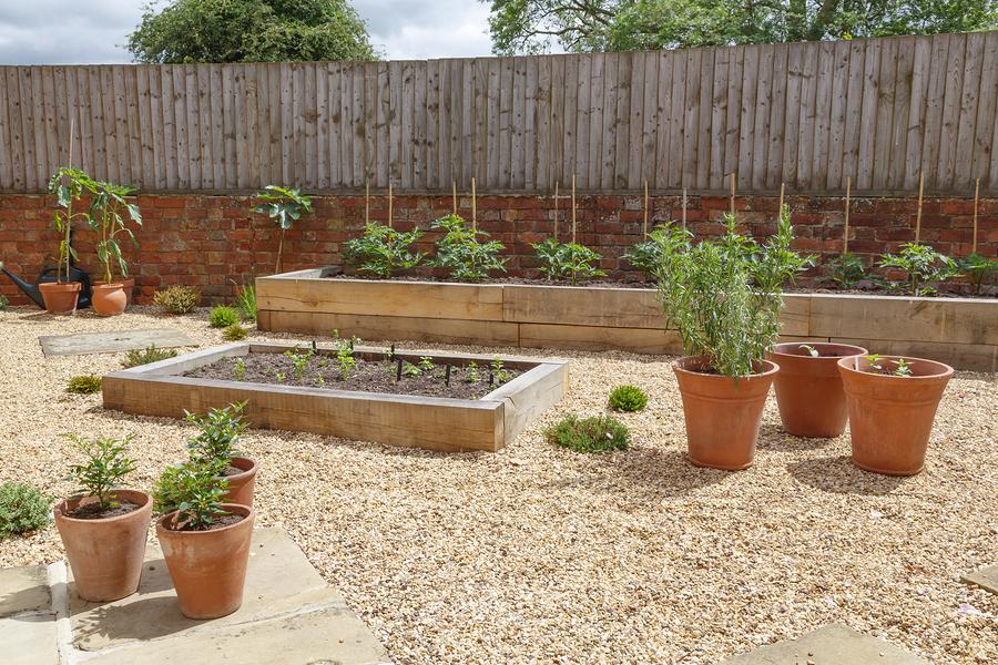 Vyvýšený záhradný záhon